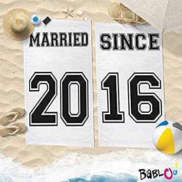 Par de toallas Playa Love You and Me personalizadas con números Married Since