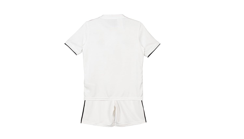 93fc8054d0ad3 Conjunto 1º Equipo SIN Dorsal Liso Real Madrid JR 2018-2019 Camiseta+Pantalones  Cortos- Niño (T14)  Amazon.es  Deportes y aire libre