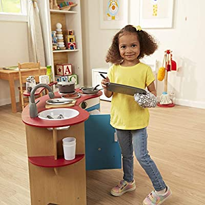 Melissa & Doug Kitchen Accessory Set (Pretend Play, Durable Construction, Companion to Kitchen Sets, 22-Piece Set, 26.67 cm H × 34.29 cm W × 10.16 cm L): Toys & Games