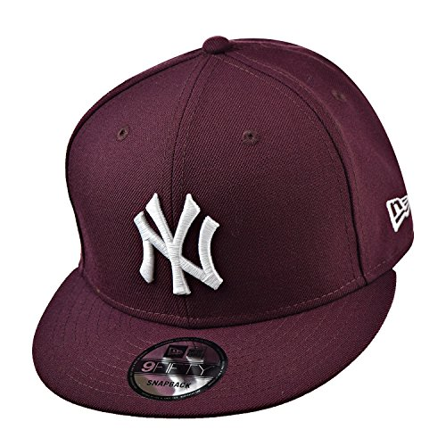 New Era New York Yankees 9Fifty Men's Snapback Hat Cap Burgundy/White 70241611 (Size OS) (New Era Snapback Hats)