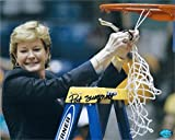 Pat Summitt autographed 8x10 Photo (Tennessee Basketball Coach) Image #SC18