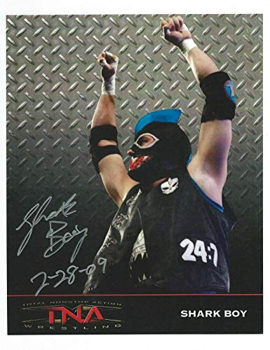 Promo 8x10 Photo WWE - Autographed NHL Photos ()
