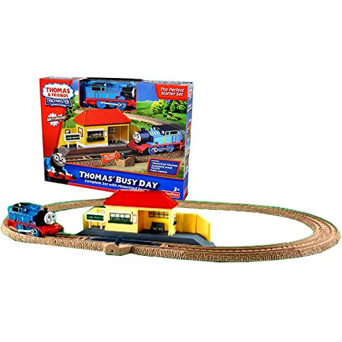 Fisher Price Year 2009 Thomas and Friends Trackmaster Motorized Railway Battery Powered Tank Engine Train Starter Playset - THOMAS' BUSY DAY with Motorized Thomas Engine, Complete Track Layout (8 Curved (Fisher Price Flip Track)