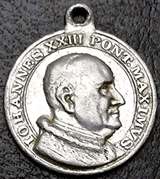 4d8d61f36 Amazon.com : Vintage 1950s Catholic Pope Johannes XXIII Rome Vatican Rosary  Medal/Pendant : Sports & Outdoors