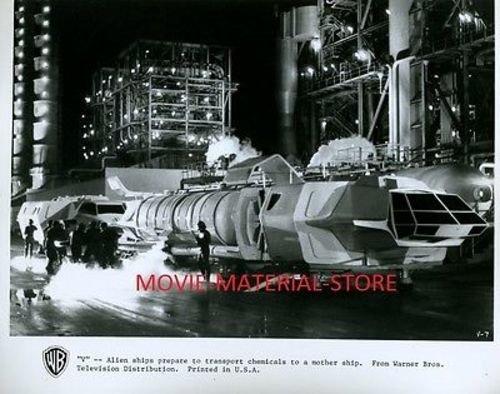 V Science Fiction TV Series Original 8×10″ Photo #K8200