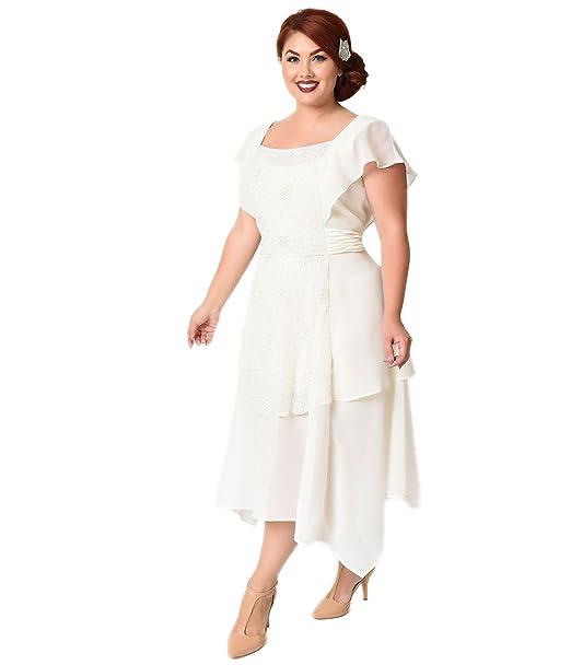 95641614cf7 Unique Vintage Plus Size 1920s Ivory Chiffon Geraldine Beaded Flapper Dress   Amazon.ca  Clothing   Accessories