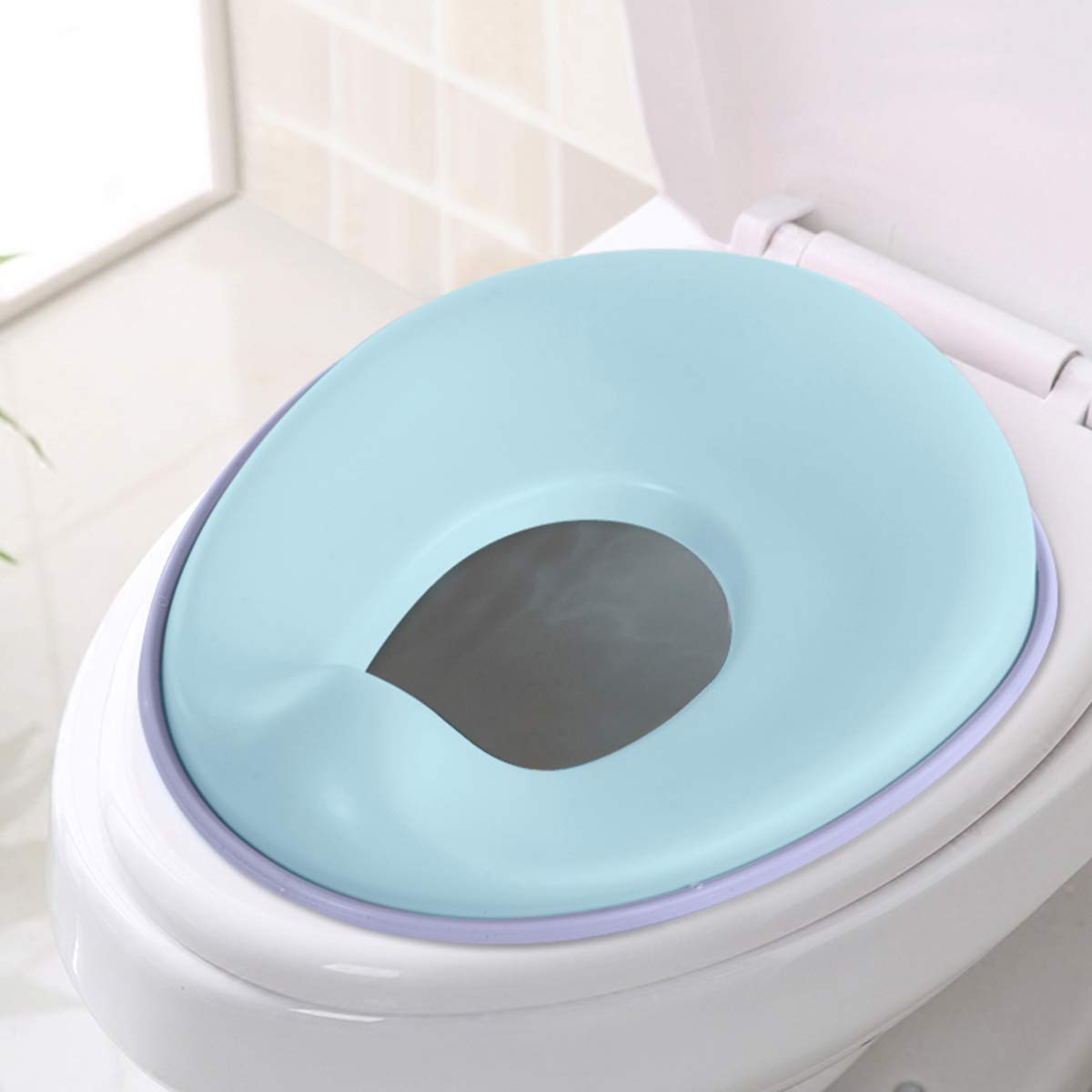 Potty Training Seat for Boys and Girls, Fits Round & Oval Toilets, Non-Slip with Splash Guard, Includes Free Storage Hook(Blue) Pandateck