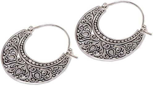 NOVICA - Orecchini a cerchio in argento sterling 925