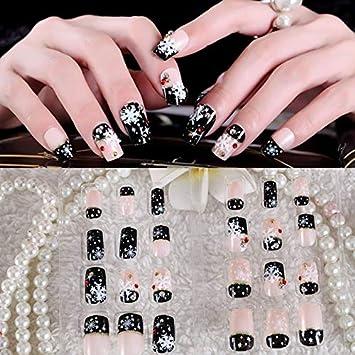 Amazon Com 24pc Christmas False Nails Black White Red Style Xmas