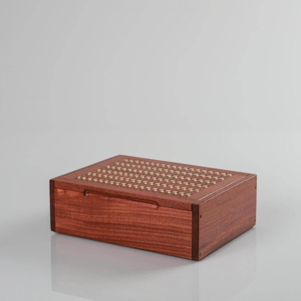 DOMINO BOX: Handmade caoba wood domino box, for gift, storage or decor H 8.7'' x W 6.3''.