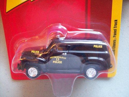 Johnny Lightning Forever 64 R2 1950 Chevy Panel Truck Metropolitan Police ()