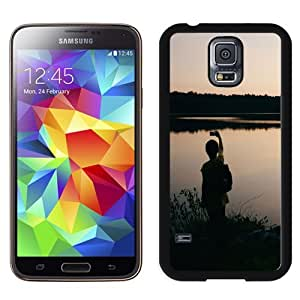New Beautiful Custom Designed Cover Case For Samsung Galaxy S5 I9600 G900a G900v G900p G900t G900w With Taking Photos Beside Lake Phone Case