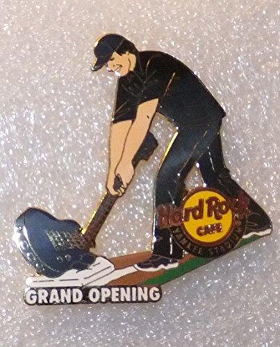 - INAUGURAL SEASON HARD ROCK CAFE GRAND OPENING PIN YANKEE STADIUM 2009 NEW YORK
