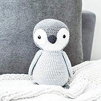 Pinguino Gris Grande - peluche tejido a mano