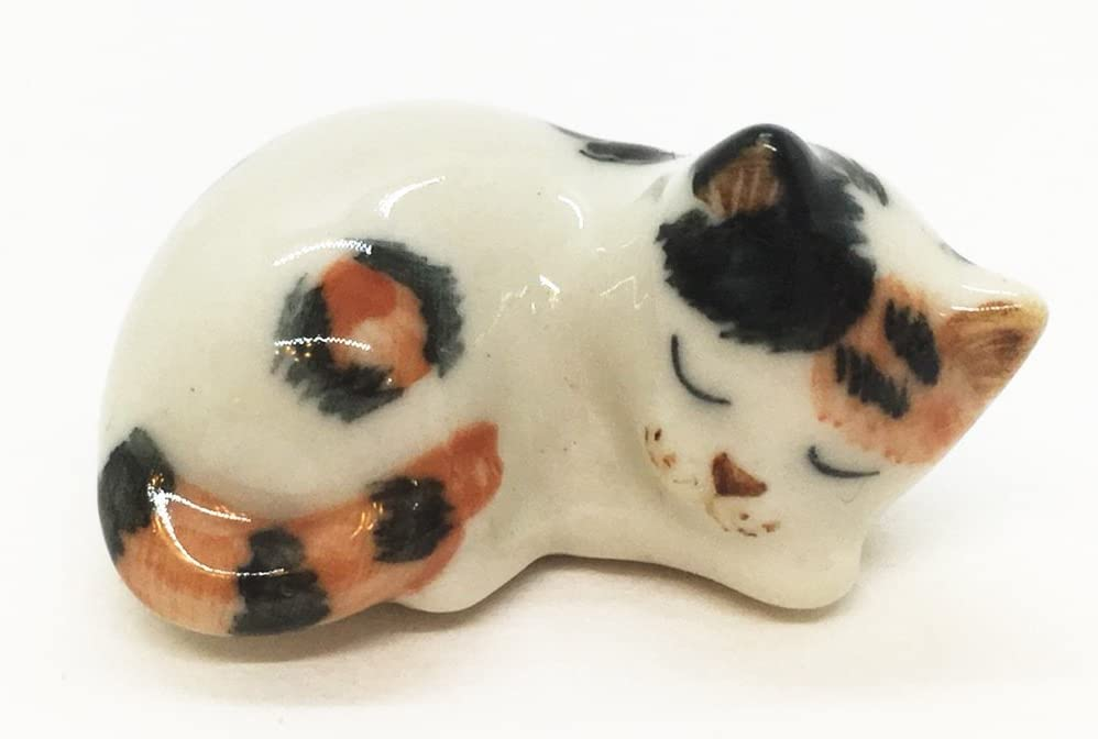 WitnyStore Japanese Bobtail Cat Figurine - Collectible Animal Art - Miniature Hand Made and Painted Ceramic Table Decor Perfect for Gifts and Souvenirs - 1