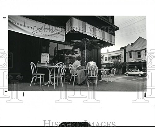Vintage Photos 1987 Press Photo Outside Restaurant La Dolce Vita cor Mayfield & Murray Hill - 8.25 x 10 in. - Historic Images