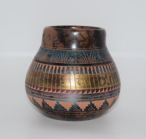 Pottery American Southwestern Native (Colorful Hand Etched Horse Hair Decorative Pottery Vase)