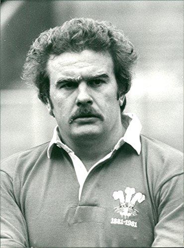 Vintage photo of Ian Stephens rugby ()