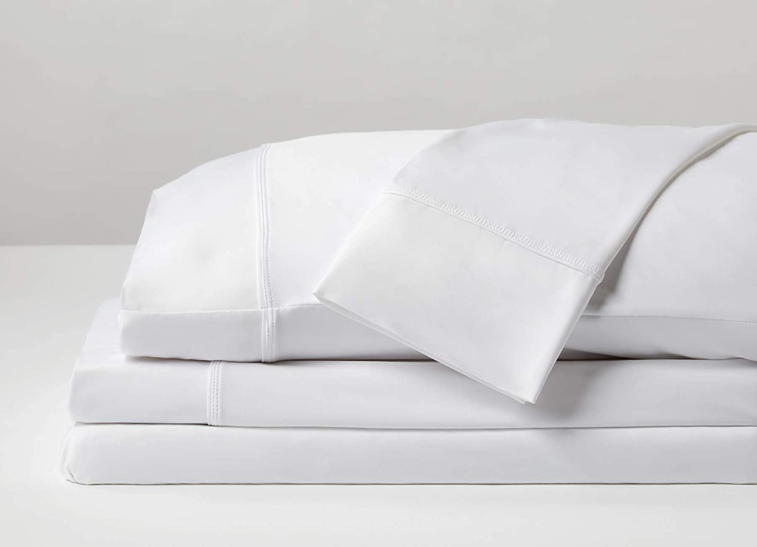 SHEEX - Original Performance Sheet Set with 2 Pillowcases, Ulta-Soft Fabric Transfers Heat and Breathes Better Than Traditional Cotton - Bright White, Queen