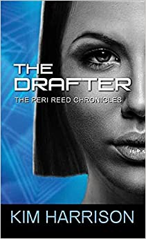 The Drafter (The Peri Reed Chronicles / Center Point Large Print)