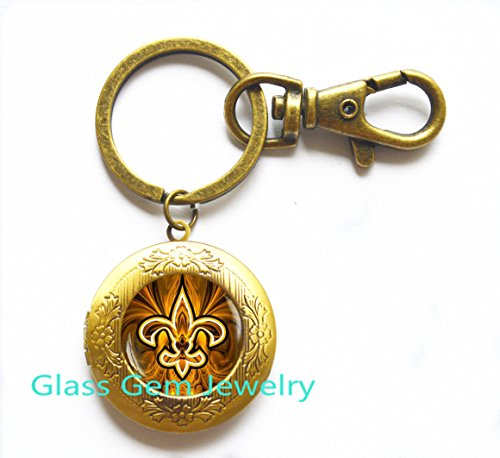 (Fleur de lis Locket Keychain , Fleur de lis Locket Key Ring, fleur de lis jewelry, heraldry jewelry royal heraldic sign,Q0118)