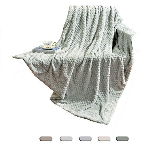 """Decosy Fresh Cozy Faux Fur Hunter Green Throw Blanket 50""""x 6"""