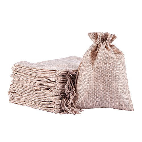 NBEADS 100PCS Burlaps Drawstring Bags, Jute Packing Storage Linen Jewelry Pouches Sacks for Wedding Bridal Shower Birthday Party Christmas Valentine's Day DIY Craft, 7x5 Inch