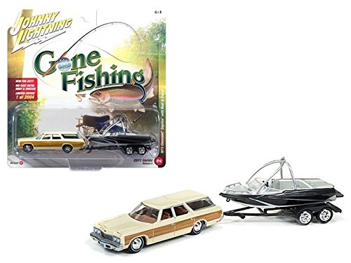 (New 1:64 AUTO WORLD JOHNNY LIGHTNING GONE FISHING COLLECTION - CREAM 1973 CHEVROLET CAPRICE WITH BOAT AND TRAILER Diecast Model Car By Auto World )