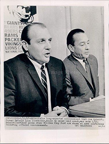 Joe Schmidt Detroit Lions - 1967 Detroit MI Lion Linebacker Joe Schmidt Coach William Clay Ford WirePhoto