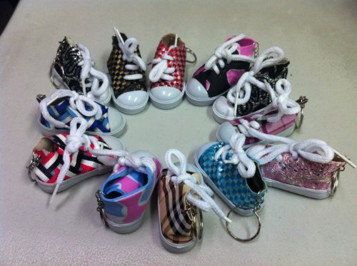 lot-of-12-canvas-sneaker-tennis-shoe-chucks-keychain-party-favors