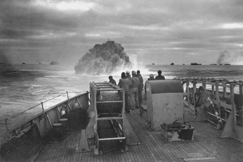 New 5x7 Photo: Coast Guard Sinks Nazi U-Boat