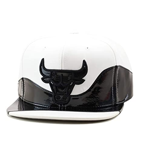 4b8988e3f05 Image Unavailable. Image not available for. Color  Mitchell   Ness Chicago  Bulls Snapback Hat Cap White Faux Leather Black Patent Leather