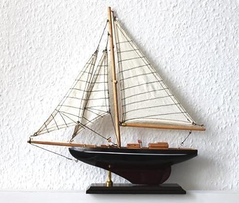 Luxus segelyacht holz  Amazon.de: Luxus Segelyacht Modell 33x35cm schwarz/braun Holz/Textil
