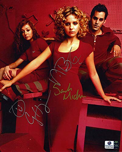 Buffy the Vampire Slayer Cast Buffy, Xander and Willow Autographed Signed 8x10 Photo Certified Authentic COA Signed by Sarah Michelle Gellar, Nicholas Brendon and Alyson Hannigan