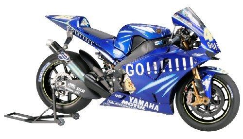 Tamiya 1 / 12オートバイシリーズNo。98 Yamaha YZR - m1 2004 No。46 / No。17 14098プラスチックモデル B06XJPY3B6