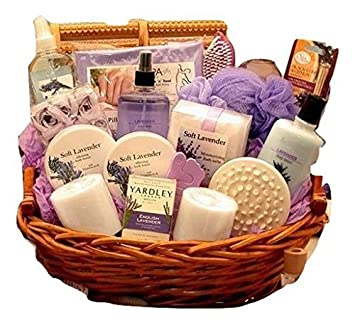 Amazon.com: Maravilloso lavanda Spa cesta de regalo para ...