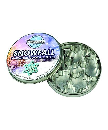R&M International 1986 Mini Snowfall Cookie Cutters, Snowman, Tree, 3 Snowflakes, 5-Piece (Marshmallow Snowman Craft)