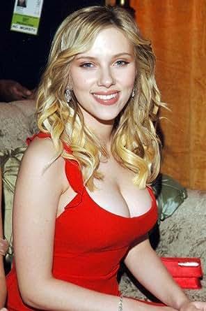 Were scarlett johansson cleavage red dress