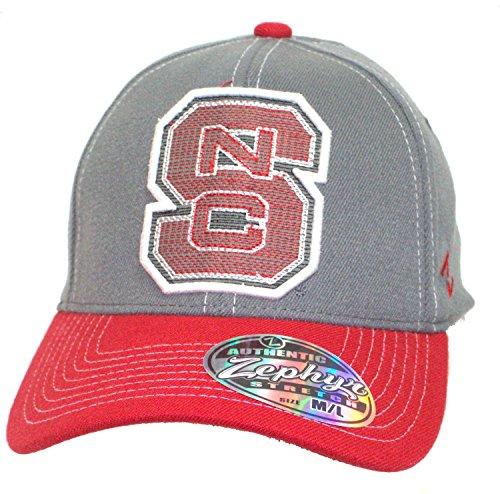 縁石ファンすばらしいですNCAA公式NC State WolfpackストレッチフィットThick刺繍野球帽子キャップ( Medium / Large )