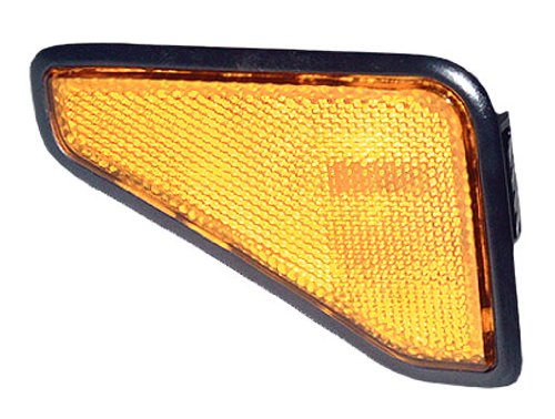 OE Replacement Honda Element Front Passenger Side Marker Light Assembly (Partslink Number HO2551125) (Honda Element Side Marker)