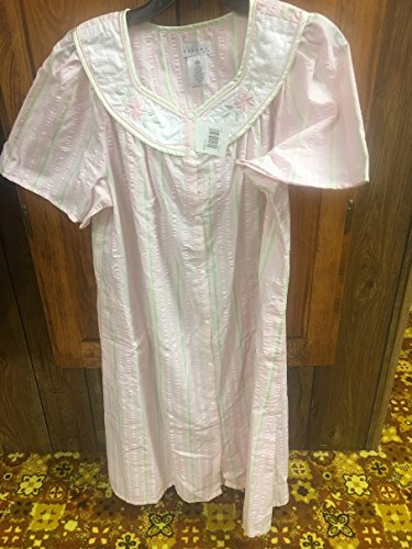 Dainty Gowns - NWT - Womens Medium 114-0201 Celestial Dreams Pink with Green Highlights and Dainty Flowers Short Sleeve Snap Closure Night Gown