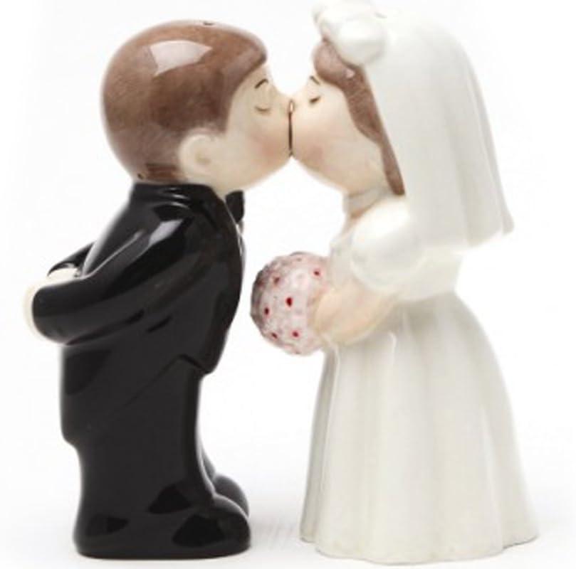 CloseoutZone Bride Groom Kissing Magnetic Salt & Pepper Set