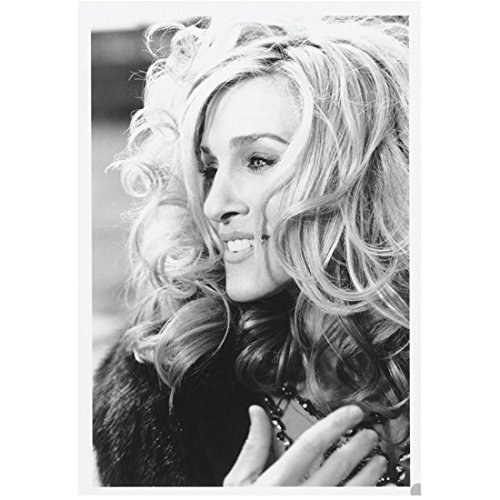 Sex and the City Sarah Jessica Parker as Carrie Bradshaw Side Profile Shot Looking Lovely 8 x 10 Inch Photo ()