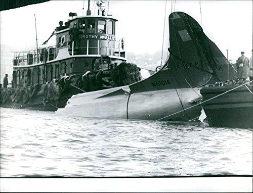 Vintage photo of Plane crash in New YorkAmerican Airlines Flight 320Photo taken: Feb.9, 1959