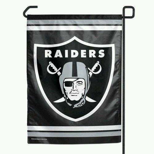 The Oakland Raiders NFL Football Garden Size Flag ()