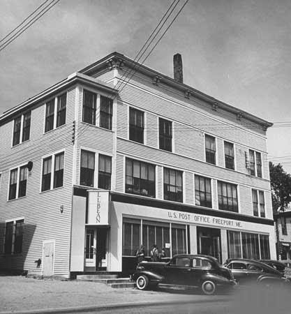 Photo Freeport ME 1941 Post Office & LL Bean - Stores Freeport Me