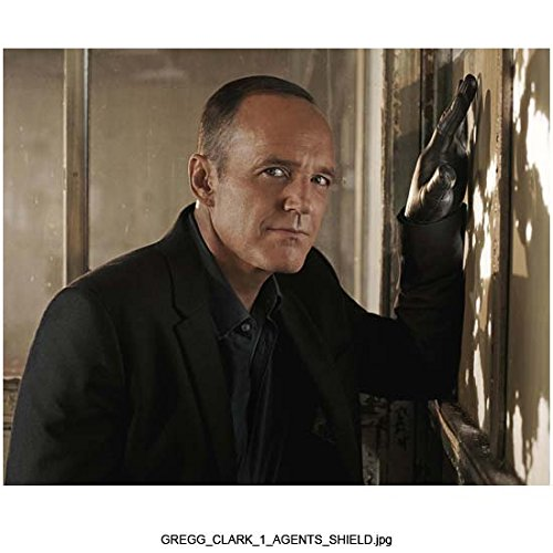 agents-of-shield-tv-series-2013-8-inch-by-10-inch-photograph-clark-gregg-from-chest-up-hand-on-wall-