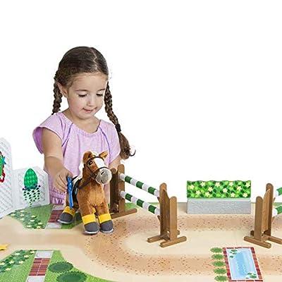 Melissa & Doug Train & Jump Horse Show Play Set with Plush Stuffed Animal (25 Pieces): Toys & Games