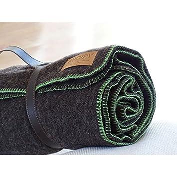 3bd8d7821031 cheval plaid 100% laine brun et vert 120x180  Amazon.fr  Cuisine ...