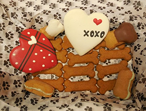 Preppy Puppy Paws Heart Basket - Gormet Dog Cookie Treats - Sweet Potato, Yogurt, Pumpkin, Shortbread & Apple - MADE IN THE USA - Pumpkin Shortbread Cookies